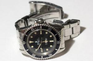 How to Wear a Swiss Watch for Women?